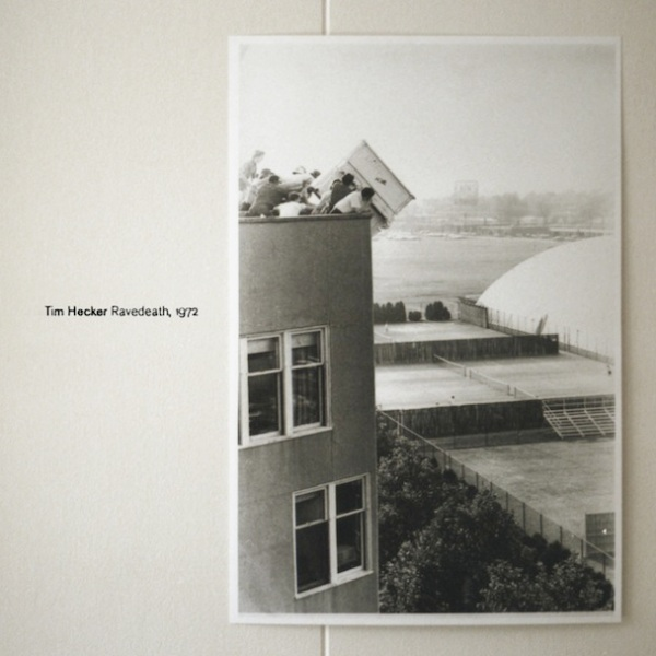 Tim Hecker -  Ravedeath,1972